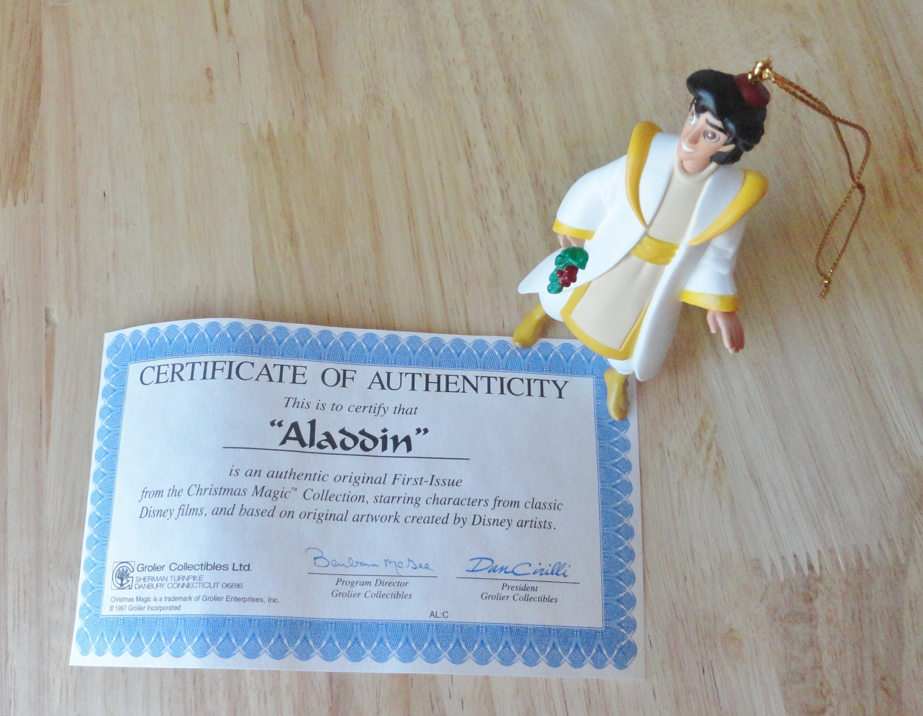 First Issue Vintage Christmas Collectable Disney S Aladdin The King Of Thieves Aladdin Ornament Grolier