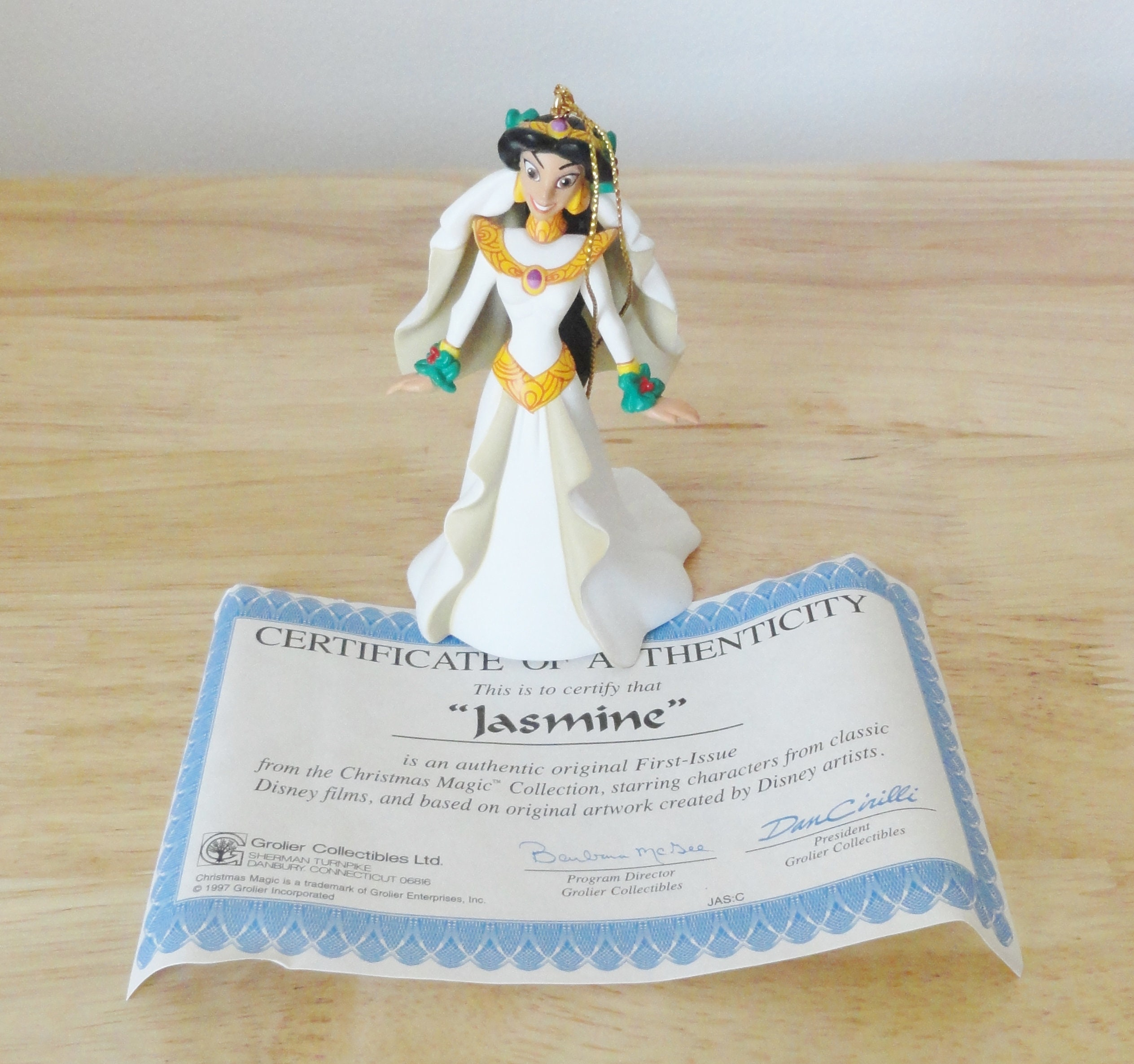First Issue Vintage Christmas Collectable Disney S Aladdin The King Of Thieves Jasmine Ornament Grolier