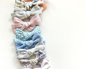 SPRING- Small Bows (Set of 2)