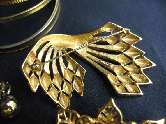 vintage lot of Monet jewelry, Mixed Monet jewelry… - image 5