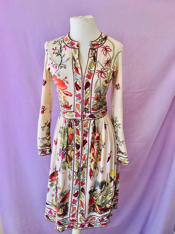 vintage 60s dress / 1960s novelty print dress / MA