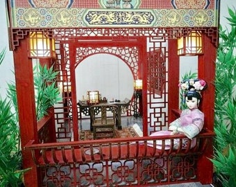 Dolls House Direct 112 scale  CHINESE BED Walnutgold JJ05001WNG