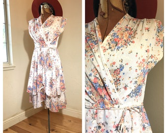 afa5c4459f6 1970's Floral Summer Dress   Vintage Bohemian Tiered Wrap Day Dress    Pastel Colors   USA Made   Summer Wedding Guest Dress   Fits SMALL
