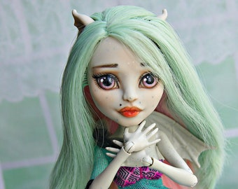 OOAK/Сustom Monster High collectible doll  Rochelle Goyle, original repaint doll,gift for girls,a beautiful gift for your beloved