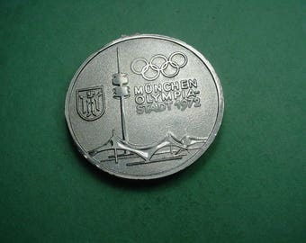 Olympic Medal Munich 1972 44 mm looks like a loop has been been removed / otherwise  in nice condition<># ET6521
