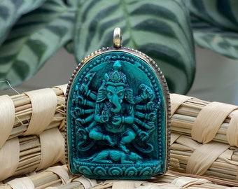Lord Ganesh Pendant / Carved Ganesha / made in Nepal / Hippie Boho Necklace / Ethnic Jewellery / Elephant Pendant / Hindu pendant