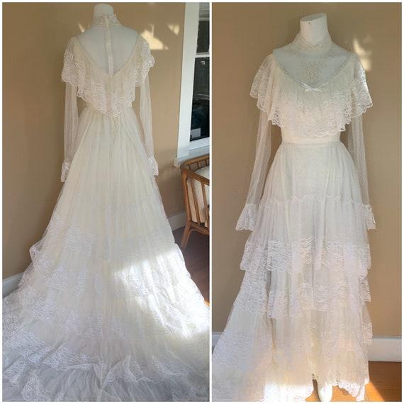 Gorgeous Vintage Gunne Sax Lace Layered Wedding Dr