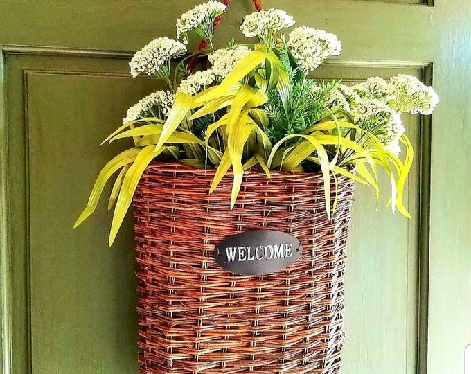 Welcome Basket with Rope Hanger