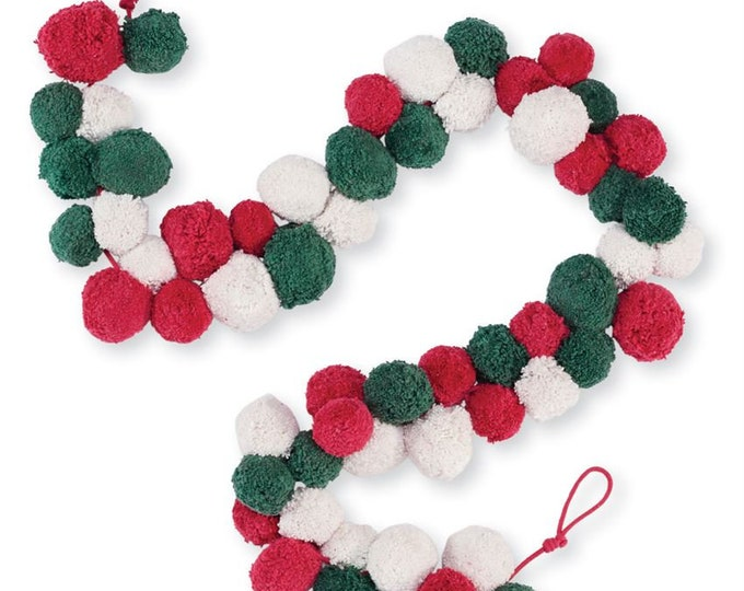 Pom-Pom Holiday Garland