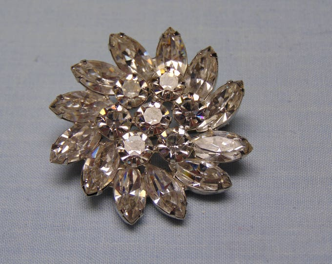 Rhinestone Brooch Perfect For Cruises, Dinners, Business Luncheons, Chairty Balls, Holidays, Derbies, Rodeos, Western Dances, Theater, Party