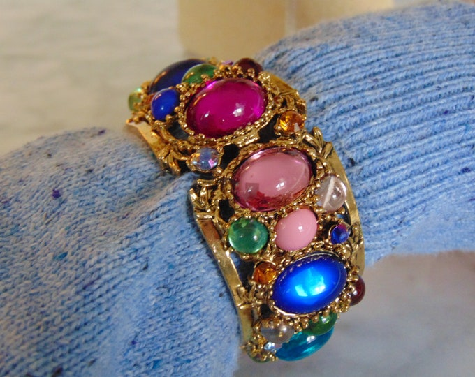 Festive Multi Colored Stone Bracelet For Theater-Musicals-Business Casual-Teachers-Church-Art Shows-Dinners-Holidays-Traveling-Resort Wear