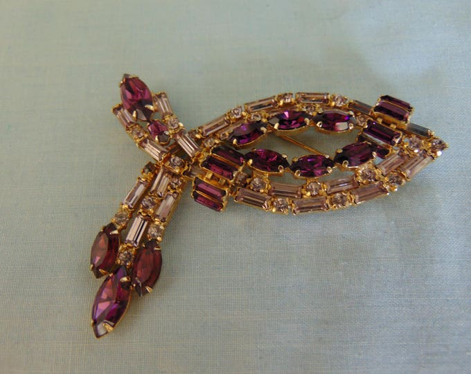 50's La-Rel Rhinestone Brooch For Holidays, Weddings, Cruises, Derbies, Western Dances, Rodeos, Art Shows, Gallery Openings, Chairty Balls