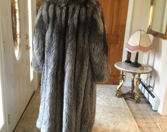 Unisex Silver Fox Coat- Fox Coat-Silver Fox Coat-Full Length Silver Fox Coat-Ladies Full Length Silver Fox Coat-Mens Full Length Silver Fox