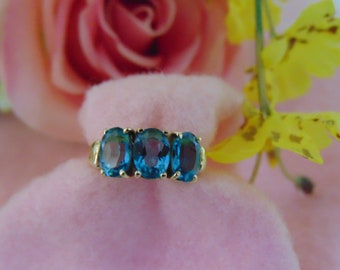 10KT Yellow Gold Blue Topaz Ladies Ring December Birthstone Ring, Estate Topaz, Antique Ring, Antique Gold Jewelry