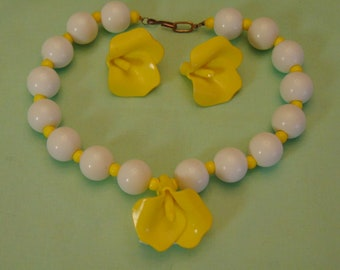 60s Necklace & Clip Earring Set For Garden Parties, Summer Time, Barn Weddings, Concerts, Derbies, Tea Parties, Beach Fashion, Cruise Wear