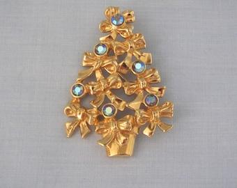 AVON Christmas Tree Pin 70's, Stocking Stuffer Pin, Christams Gift Exchange, Christmas Tree Brooch