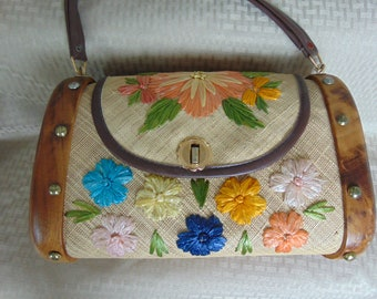Straw Handbag 60s Perfect For Traveling, Summertime, Beach Wear, Garden Parties, May Marts, Kentucky Derby And More