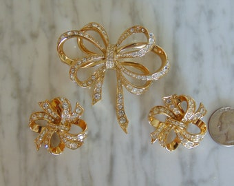 KJL Brooch & Earring Set For Spring Holidays, Derbies, Weddings, Parties, Cruises, Dinners, Chairty Luncheons, Western Dance, Theater