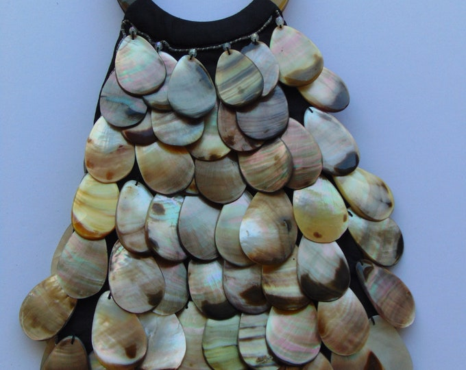 Wistera Mother Of Pearl Sea Shell Purse For Resorts, Traveling, Cruises, Dinners, Dances ,Church ,Cocktails, Summer Weddings, Garden Party