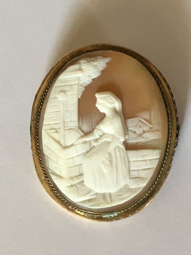 Christmas- Mothers Day- Valentines Day /& Birthday Gifts Business Luncheons Cruises Holidays 1800s Cameo Brooch Perfect For Weddings