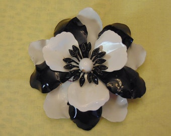 60s Flower Brooch For May Day, Entertainers, Garden Parties, Luncheons, Kentucky Derby, Barn Weddings, Rodeos, Western Wear, Cruise Fashion
