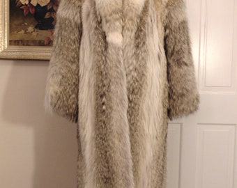 Unisex Coyote Coyote Fur Coat-Ladies Coyote Coat-Coyote Fur Coat For Operas,Church,Dinners,Resort,Western Wear,Gallery Openings,Holiday Gift