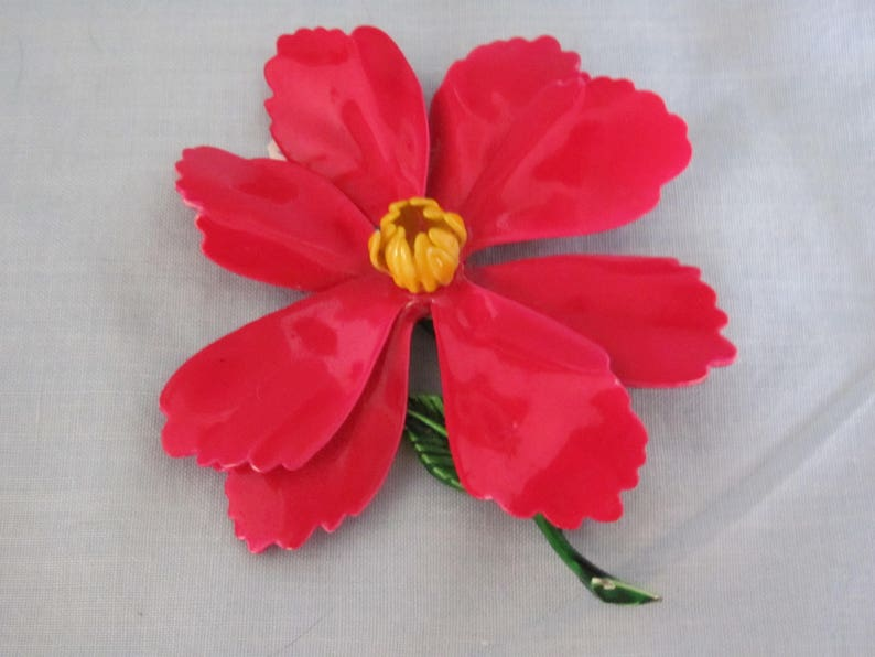 Travel Holiday Fashion Winter Events And Poinsettia Lovers Christmas Poinsettia Brooch 60/'s  Perfect for Christmas
