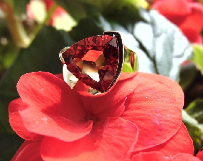 Spresseratite Garnet Ring-Garnet Ring-Trillion Cut Garnet Ring-Gold Garnet Ring-Garnet Dinner Ring-Garnet Cocktail Ring-Garnet Jewelry Gifts