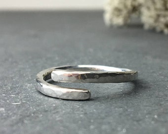 Adjustable silver ring, Simple open ring, Sterling silver wrap ring, Bypass ring, Hammered silver ring, Statement ring, Silver thumb ring