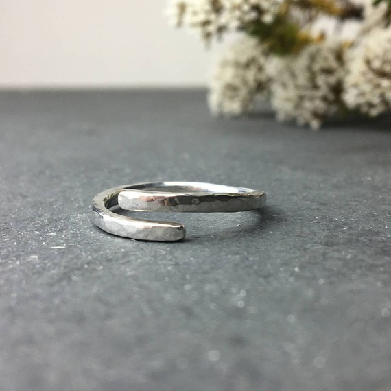 One size friendship ring, Dainty ring Adjustable silver ring Sterling silver Minimalist Open ring
