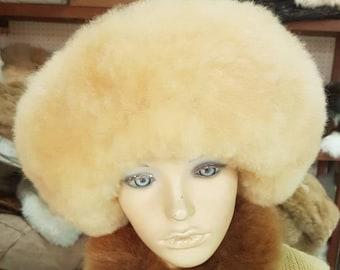 ad4a9818cb7 NEW Ladies Womens FINE 100% Baby Alpaca light beige Fur Hat