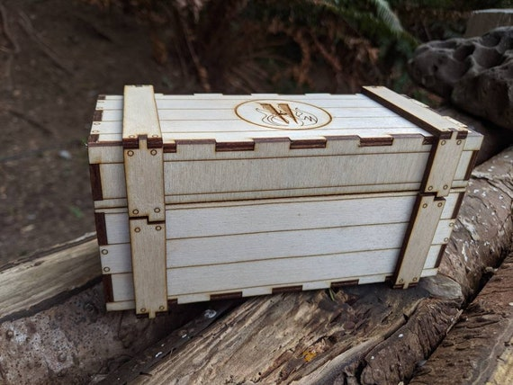 Crate box / knife box / dice box/ small wooden chest / laser cut box