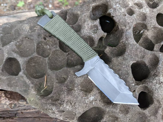 Tanto Knife / everyday carry / edc tool / edc gear / survival knife / camping gear