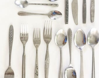beautiful vintage flatware set (mixed)