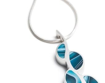 Reversible floor key necklace