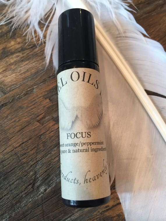 FOCUS-rollerball with pure and natural peppermint and sweet orange.