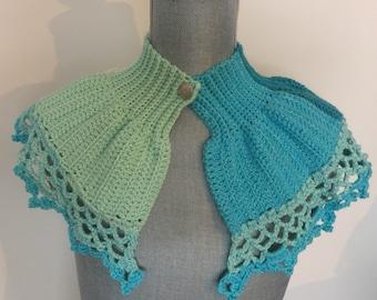 April Frosted Winter - Faire Caron Cake Crochet Capelet