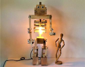 Giant robot pallet wood lamp