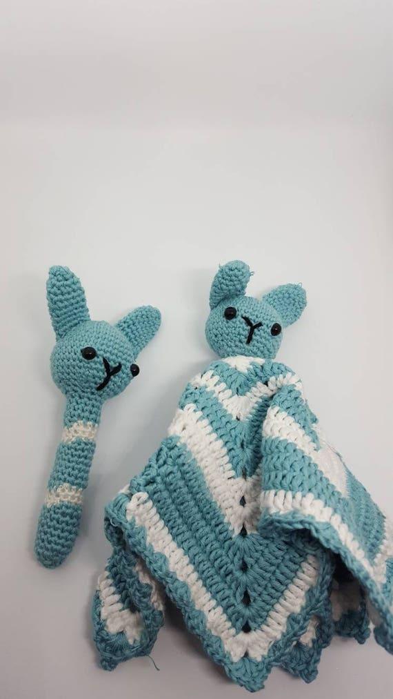 Mantita de apego a crochet y sonajero de conejo. Manta de | Etsy