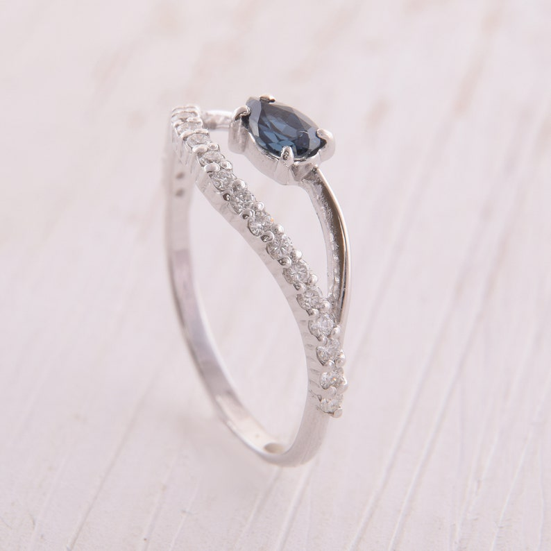 14k White Gold Minimalist Engagement Ring wih Blue Sapphire Sapphire Engagement Ring Womens Engagement Ring with Pear Cut Sapphire