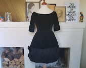 cocktail dress / party dress from the late 1950s or early 1960s. Little black dress. Size EU 34 / UK 6 / US 2. Waist 68 cm / 26,8 inches