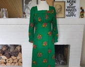 Long dress / summer dress / maxi dress from the 1970s (or late 1960s). Size EU 34 / UK 8 / US 4. Chest 84 cm / 33,1 inches.