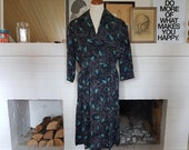 Day dress / fit and flare dress from the 1940s or early 1950s. Size EU 38 / UK 12 / US 8. Waist 77 cm / 30,3 inches