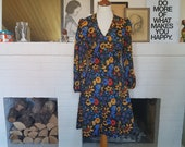 Dress / summer dress from the late 1960s or the 1970s. Size EU 34 / UK 8 / US 4. Waist 74 cm / 29,1 inches