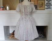 Day dress / summer dress from the 1950s. Size EU 34-36 / UK 8-10 / US 4-6. Waist 71cm / 28 inches