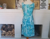 Day dress / summer dress from the 1960s. Size EU 38 / UK 12 / US 8. Chest 94 cm / 37 inches
