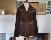Jacket / coat in velvet from the 1970s. Size EU 32 / UK 6 / US 2. Waist 65 cm / 25,6 inches