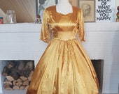 Evening dress from the late 40s early 50s. With flaws! New Look. Size EU 36 / UK 8 / US 4. Waist 72 cm / 28,3 inches.