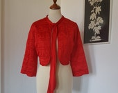 Beautiful bed jacket from the 1960s. Size EU 36-38 / UK 10-12 / US 6-8. Chest 96 cm / 37.8 inches