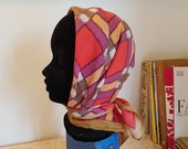 Silk scarf from the 1960s. Nice quality. Size 80x76 cm / 31,5x29,9 inches